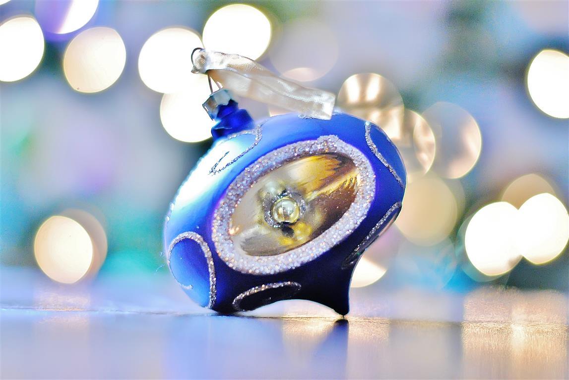img-4-Blue_Christmas_ornament (Medium)